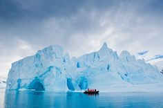 Exploring by Zodiac - Antarctic - Lindblad Expeditions-National Geographic
