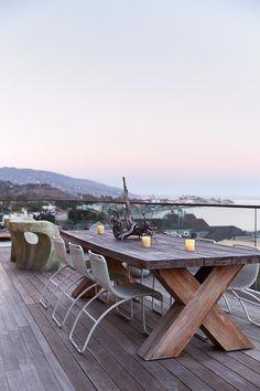A modern seaside retreat delights the senses in Malibu