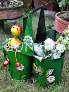 A bee with two buckets!! Decorate your porch or balcony with this beautiful multicoloured planter.