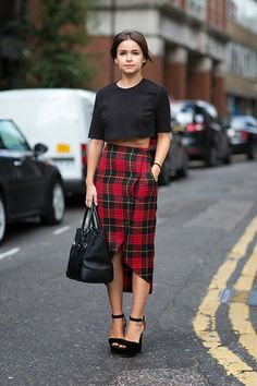 Miroslava+Duma+-+Plaid+Skirt+-+LFW+2013.jpg (500×750)