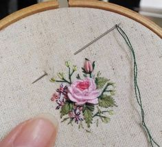 Embroidery rose with cast on
