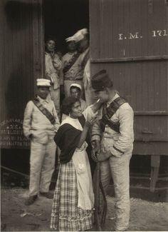 Agustin Victor Casasola.     Soldiers leaving San Huan, Mexico. 1914    [::SemAp::]