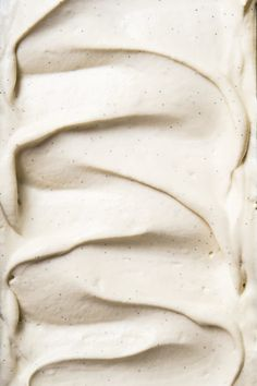This no-churn paleo and keto vanilla ice cream is ridiculously creamy and fragrant. Plus, it won't freeze rock solid, like your usual homemade low carb ice cream! Keto Friendly Ice Cream, Paleo Ice Cream, Low Carb Ice Cream, Keto Friendly Desserts, Vanilla Ice Cream, Low Carb Desserts, Ice Cream Recipes, Dessert Recipes, Keto Recipes
