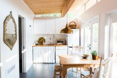 9 Ways to Organize a Kitchen Without Many (or Any!) Cabinets