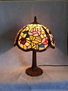 Stained Glass Lamp  Floral Motif  Table Lamp