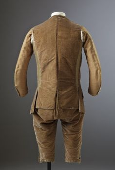 Back view breeches and waistcoat, formal 3-piece suit, c.1770. Brown silk velvet. (costume collection at Ham House, Surrey)