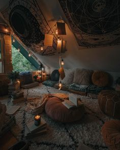 Bohemian Latest And Stylish Home decor Design And Life Style Ideas - Bohemian Home Hangout Room, Aesthetic Room Decor, Cosy Aesthetic, Autumn Aesthetic, Stylish Home Decor, New Stylish, Cozy Room, Cozy Place, Dream Rooms
