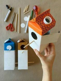 Make Your Own Milk Carton Birdhouse Village - Handmade Charlotte Arts and crafts for kids Milchkarto Kids Crafts, Projects For Kids, Diy For Kids, Easy Crafts, Craft Projects, Arts And Crafts, Paper Crafts, Easy Diy, Clever Diy