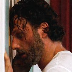 Rick's snarl Walking Dead Tv Show, Fear The Walking Dead, Andrew Lincoln, Southern Men, Jon Bernthal, Scary Art, Walk The Earth, Stuff And Thangs, Rick Grimes