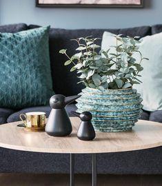 #interiør #vår #2020 #inspirasjon   Kremmerhuset Vase, Home Decor, Decoration Home, Room Decor, Vases, Home Interior Design, Home Decoration, Interior Design, Jars