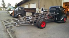 Ideas old truck bed trailer awesome for 2019 Truck Bed Trailer, Truck Flatbeds, Shop Truck, Custom Chevy Trucks, Old Pickup Trucks, Chevrolet Trucks, Flatbeds For Pickups, Truck Ramps, Welding Trucks