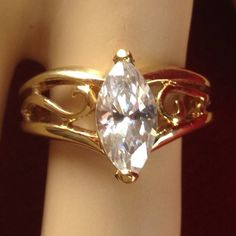 Estate 18K Gold Filled 2 ct  White Sapphire Solitaire Engagement Ring BB923|We combine shipping|No Question Refunds|Bid $60 for free shipping. Starting at $1