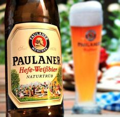 Best wheat beer I've ever tasted. Cerveza Paulaner, Fun Drinks, Alcoholic Drinks, Beer Shot, Beers Of The World, Wheat Beer, Beer Brands, German Beer, Brew Pub