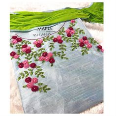 Beading 2020 – The Best Beading Ideas Are Here French Knot Embroidery, Hand Embroidery Dress, Embroidery On Kurtis, Kurti Embroidery Design, Hand Embroidery Videos, Embroidery On Clothes, Flower Embroidery Designs, Hand Embroidery Stitches, Embroidery Fashion