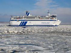 Veer boot in het ijs naar Terschelling