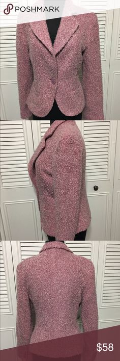 """Zara Blazer Adorable Zara Basics Classic Tweed acrylic/wool/ploy blend, rayon lining, one button closure, 4 button detail on cuff. 2 front functional pockets. Length is 21"""" Made in Spain Zara Jackets & Coats Blazers"""