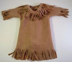 Learn how to make a Native American Indian Girl outfit with this fun pattern hack that comes to us from Edith Sheluga of Di's Dolly Designs. Some of you may a