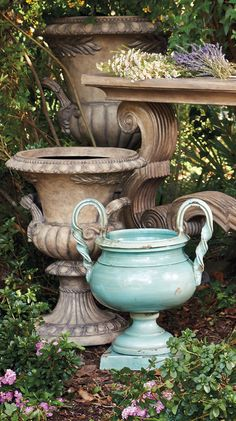 Carefully handcrafted in Italy, the terracotta Roberto Footed Bowl brings classic distinction to your garden or patio.