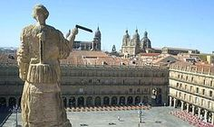 Plaza Mayor de Salamanca Places In Spain, Iberian Peninsula, I Want To Travel, Spain Travel, Plaza, Statue Of Liberty, Madrid, Bucket, Culture