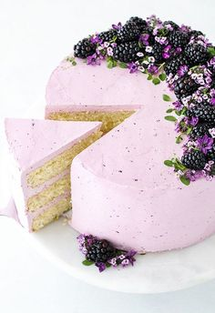 This Edible Flower Blackberry Lime Wedding Cake is gorgeous. #weddingcakes