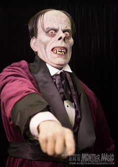lon chaney sr. as the phantom sculpted by mike hill.