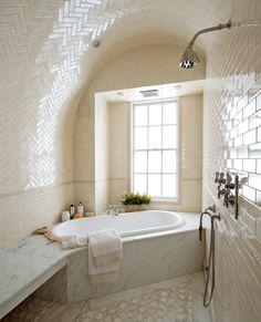 Uma Thurman's Gramercy Park Duplex - The actress Uma Thurman is placing on the market her duplex at - The New York Times Bathroom Goals, Bathroom Spa, Gramercy Park, Uma Thurman, Beautiful Bathrooms, Interior Design Living Room, New Homes, House Design, Lexington Avenue