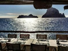 Es Boldado restaurant opposite the mystic Es vedra island. On a quiet day you can see dolphins passing by. Best Bullit de Paix of the island. At www.villarentalibiza.com we will happily reserve a place in this paradize for you.