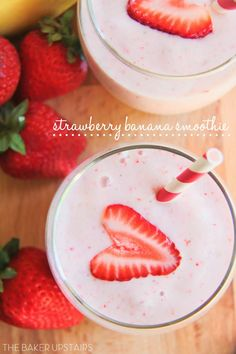 Strawberry banana smoothie from The Baker Upstairs. So delicious and refreshing, and healthy too! www.thebakerupstairs.com