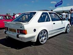 Ford Escort rs turbo Ford Rs, Car Ford, Classic Motors, Classic Cars, Aston Martin, Volvo, Touring, 80s Classics, Psa Peugeot