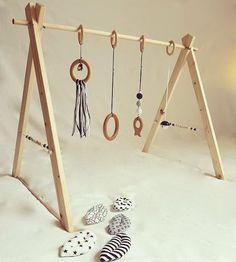 """Portique d'éveil en bois personnalisable, ou """"Baby gym"""". : Jeux, peluches, doudous par tous-les-matins-du-monde"""