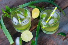 Aloe vera prevents acid reflux and treats heartburn. It can be mixed with other foods that treat heartburn to create a variety of delicious, healthy drinks.