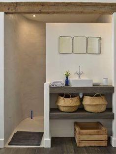 Découvrez ce fabuleux logement à Arles Bathroom Layout, Bathroom Interior Design, Small Bathroom, Neutral Bathroom, Dream Bathrooms, Bathroom Ideas, Dream Home Design, House Design, Rustic Home Design