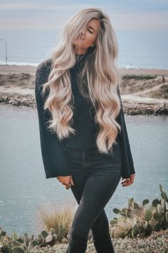 11 Hacks For Healthier Hair - Kristy By The Sea - Healthy hair hacks every girl should know. For curly, frizzy, thin, oily, or short hair. Curly Hair Tips, Short Curly Hair, Curly Hair Styles, Natural Hair Styles, 4c Hair, Thick Blonde Hair, Blonde Hair Looks, Healthy Hair Tips, Healthy Long Hair