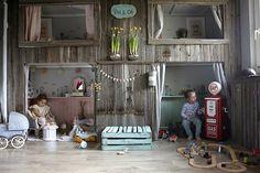 Decorating ideas for a playroom for children Encontrado en atelierrueverte.blogspot.co.uk