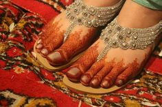 Wow Indian Wedding, Sangeet #Mehndi n Payal on feet, via @sunjayjk