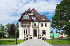 Das Steirerschlössl in Zeltweg - Hotel & Restaurant Hotels, Restaurant, Travel Style, Mansions, House Styles, Places, Austria, Germany, England
