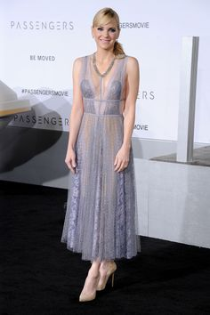 Anna Faris wore Reem Acra - Passengers Premiere, Los Angeles - December 14 2016