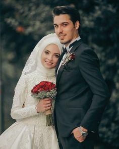 muslim wedding dresses with hijab Hijab Wedding, Muslimah Wedding Dress, Muslim Wedding Dresses, Muslim Brides, Wedding Dresses Photos, Muslim Couples, Wedding Pictures, Wedding Couple Poses Photography, Wedding Poses