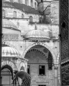 Blue Mosque | Istanbul A photo snap while I saw a photographer setup tripod attempt to take photo. I just behind him so I take this photo.  #travel #travelphotography #Istanbul #Turkey #limkimkeong_europe #limkimkeong_turkey