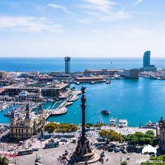 l Port Vell a vista de pájaro. Se muestran en la imagen de izquierda a derecha. Edificio de la Autoridad Portuaria de Barcelona (1907), Rambla de Mar (1994), Torre San Sebastián la primera de las tres torres del Telefèric de Montjuïc (1929), Mirador de Colon (1888), Las Golondrinas de Barcelona (1888) y el Hotel W (2009) #lumixquemehashecho #barcelonacitizen #barcelonainspira