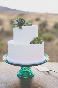 "Say ""Yes"" to These Outdoor-Themed Rustic Wedding Cakes ..."