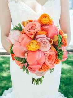 15 Bright Bouquets (Plus the Best Blooms to Use) | TheKnot.com