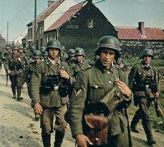 Belgien 1940 - Wehrmacht auf dem Vormarsch.  Belgium 1940 ,  Wehrmacht on the march.