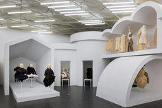 "Inside ""Rei Kawakubo/Comme des Garçons: Art of the In-Between"""
