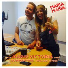 RADIOVISIT HOS VICTORIA (frekvens 106.30). så fik vi i programmet lige sat radiovært Henrik fra #Radio Victoria i stødet både via kærlighed og elektricitet i sin pureste form  Skulle præsentere den nye single ❤ SUMMERTIME med MARIA MARIA ❤ SAMTIDIG markerede vi FULDMÅNEN!  : SUMMERTIME (Måneskin Version) med MARIA MARIA ude nu  #ITUNES: ❤ https://itunes.apple.com/…/summertime-maneskin…/id1011757048 ❤ #SPOTIFY https://play.spotify.com/album/0xIox10YqDVfxcyjAshgXZ #musik #sommer #hit