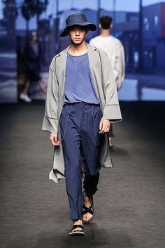 Actualizando el traje de oficina a un looks de dos piezas de corte más holgado, Ordinary People cierra una edición más de la semana de la moda de Seúl