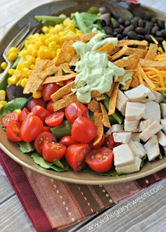 Southwest Salad & Creamy Avocado Dressing _ Salad can be dinner with this delicious salad. The creamy Avocado dressing is the perfect topping too! Southwest Salad, Southwest Chicken, I Love Food, Good Food, Yummy Food, Tasty, Mexican Food Recipes, Dinner Recipes, Creamy Avocado Dressing