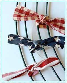 Oh Sew Crafty Life: {Patriotic} Rag Wreath Tutorial - Picmia Patriotic Wreath, Patriotic Crafts, July Crafts, 4th Of July Wreath, Kids Crafts, Patriotic Party, Holiday Wreaths, Holiday Crafts, Winter Wreaths