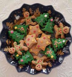 Christmas cookies in new season Villeroy Boch plate