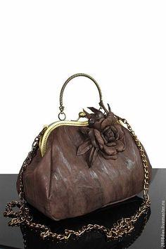 """Купить Сумка кожаная """"Elegance""""- брошь из кожи, натуральная кожа - серый, однотонный, сумка женская"""